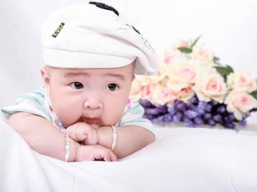 起名知识为刚出生的宝宝取个健康的名字很重要